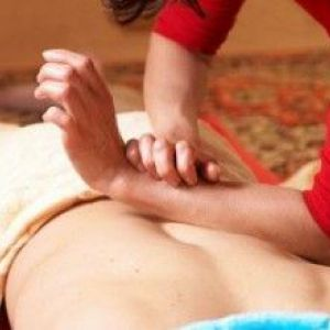 Як правильно робити масаж спини