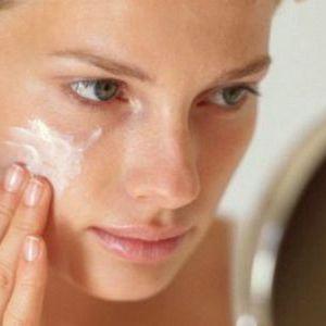 Як вибрати зволожуючий тональний крем для сухої шкіри обличчя