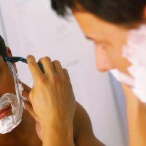 Чоловікам про те, як правильно голитися верстатом