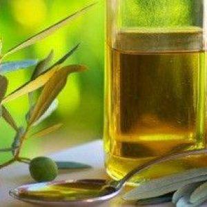 Оливкова олія: користь і шкода, як приймати, склад, калорійність