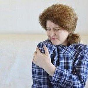Причини хрускоту в плечовому суглобі при обертанні. Особливості лікування