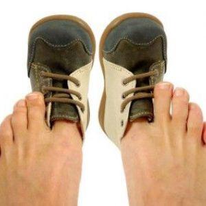 Причини появи і лікування сухих мозолів зі стрижнем на пальцях ніг
