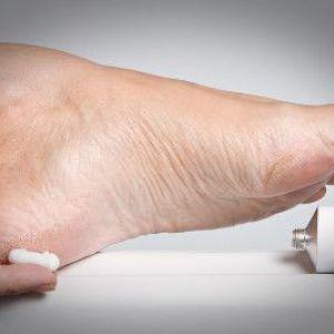Засоби для виведення сухих мозолів на пальцях ніг